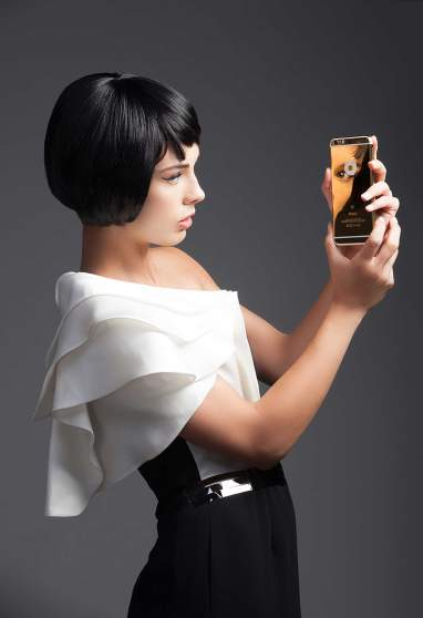 web_editorial-iphone-6s-plus-full-diamond-gold-3