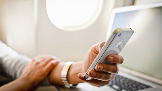 Mobile_Device_Usage_on_Airplane