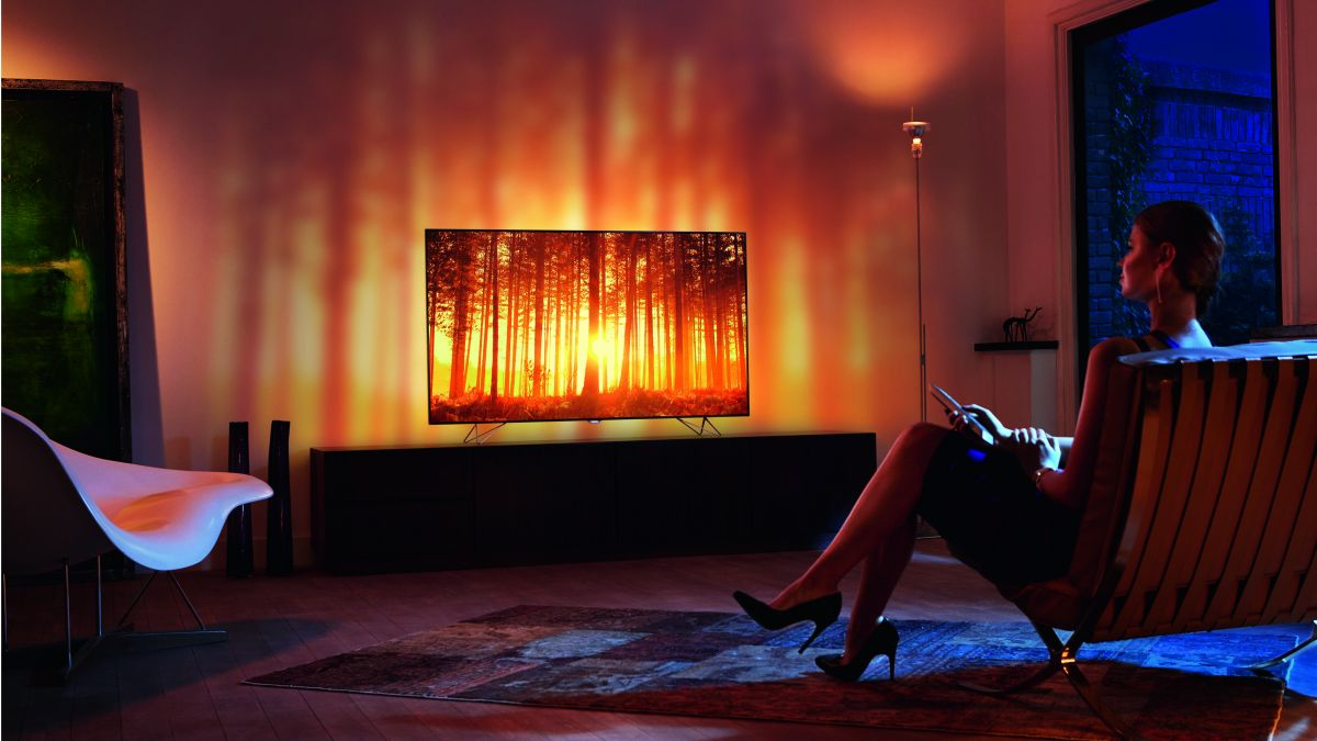 Philips AmbiLux TV review_8-1200-80