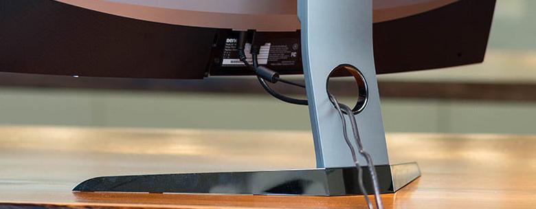 BenQ EX3200R cable management