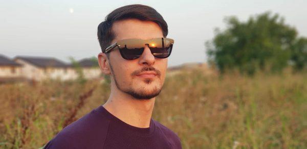 Mai există, de asemenea, ochelarii de soare Polaroid, special creați pentru  a proteja vederea în timpul expunerii la soare pe termen lung, ca de altfel  și ... 88c95fedf256