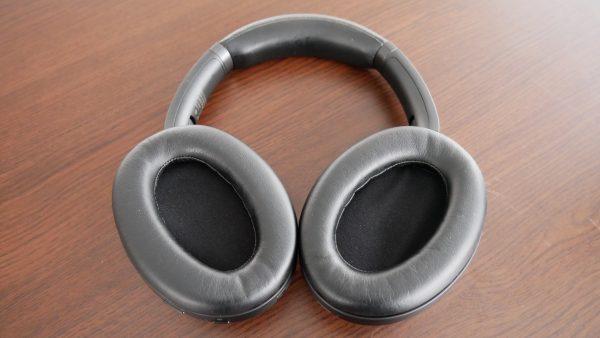 Căștile wireless pentru corporatiști și audiofili