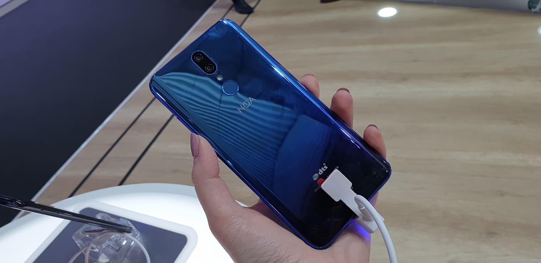 NOA prezintă noile smartphone-uri premium accesibile