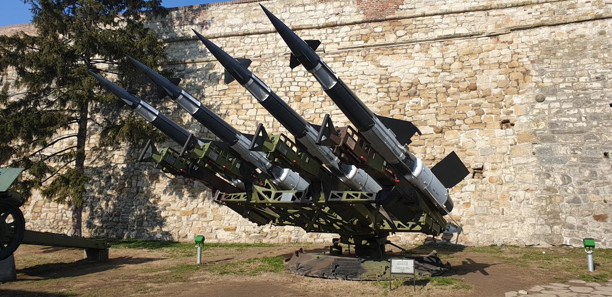 rachete fortareata belgrad