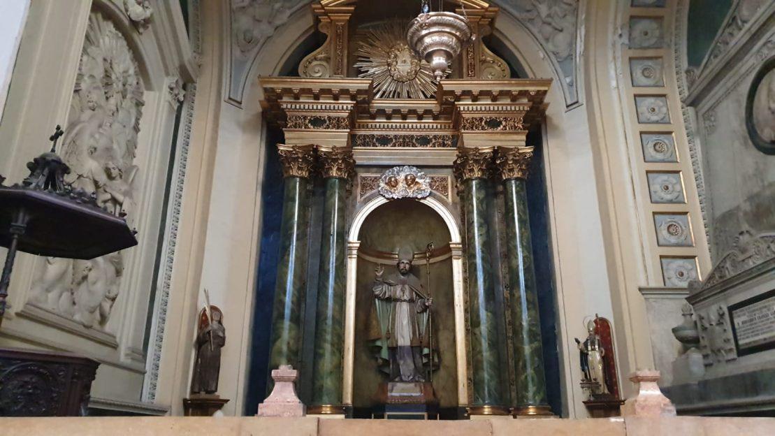 altar slujba Nuestra Señora del Pilar