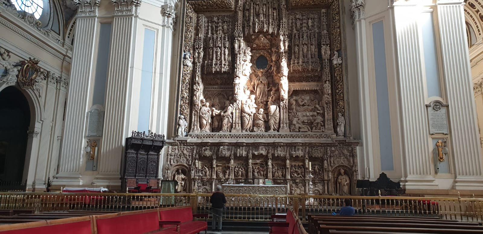 altar Catedrala-Bazilică Nuestra Señora del Pilar
