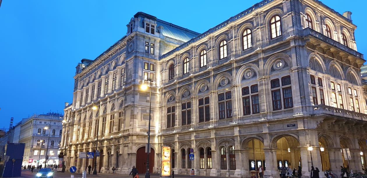 Viena la pas în 2 ore