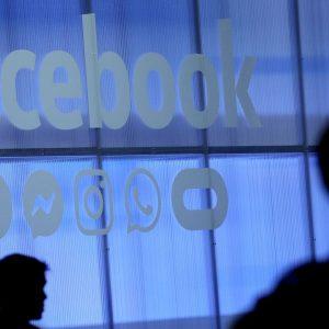 Facebook impune restricții