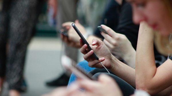 Japonia rămâne fără numere de telefon