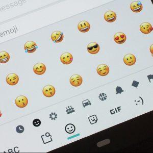 Se întâmplă în tech miercuri emoticonuri google