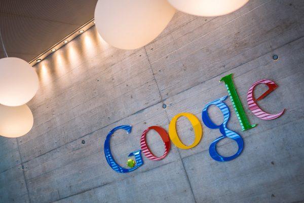 Gmail monitorizează toate achizițiile online și încă nu le poți sterge sau să optezi pentru a nu mai fi monitorizate