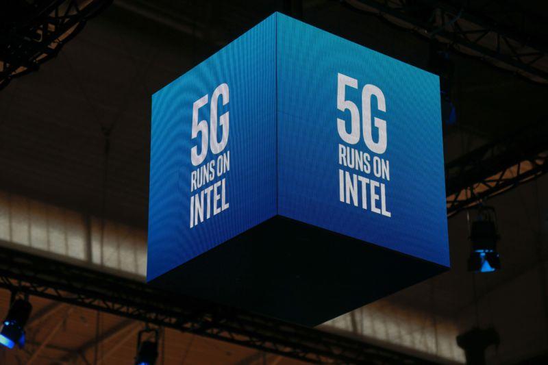 Se întâmplă în tech marți Intel