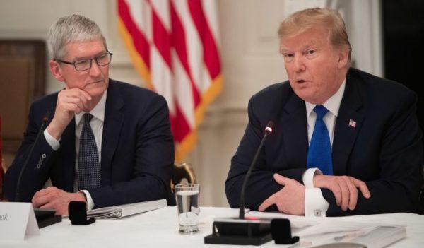 Se întâmplă în tech sâmbătă - Trump respinge cererea Apple pentru MacBook Pro