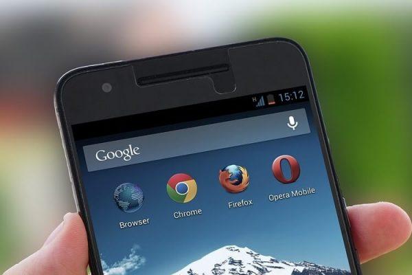 Google va percepe taxe motoarelor de căutare pentru a fi soluția implicită pentru dispozitivele Android