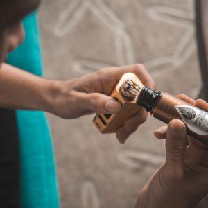 Acetatul de vitamina E, dăunător pentru consumatorii de țigări electronice