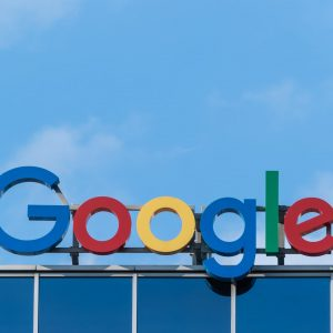 Sundai Pichai conduce Google și Alphabet