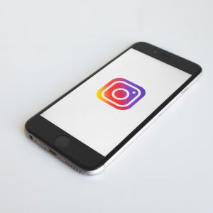 Instagram continuă lupta împotriva intimidării