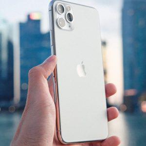 iPhone 11 îți verifică locația în mod constant