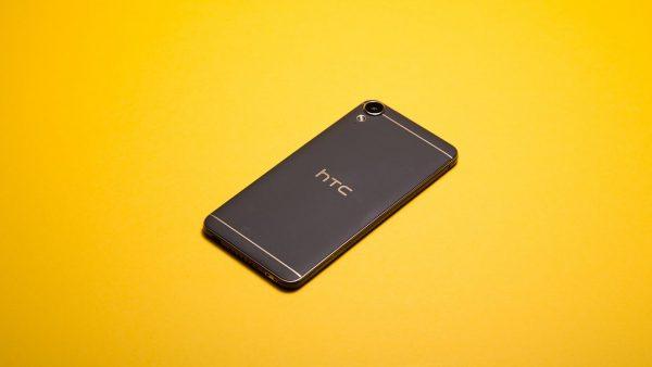 Apple AirPods se vând mai bine decât telefoanele HTC