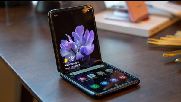 Ce ne arată dezasamblarea telefonului Galaxy Z Flip