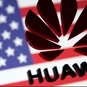 SUA reduce extensia licenței Huawei la jumătate