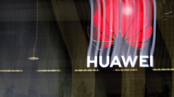 Băncile americare nu vor mai avea voie să permită Huawei să facă tranzacții
