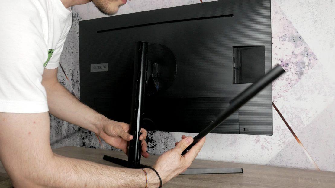 Samsung U32H850UMU Sistem management al cablurilor