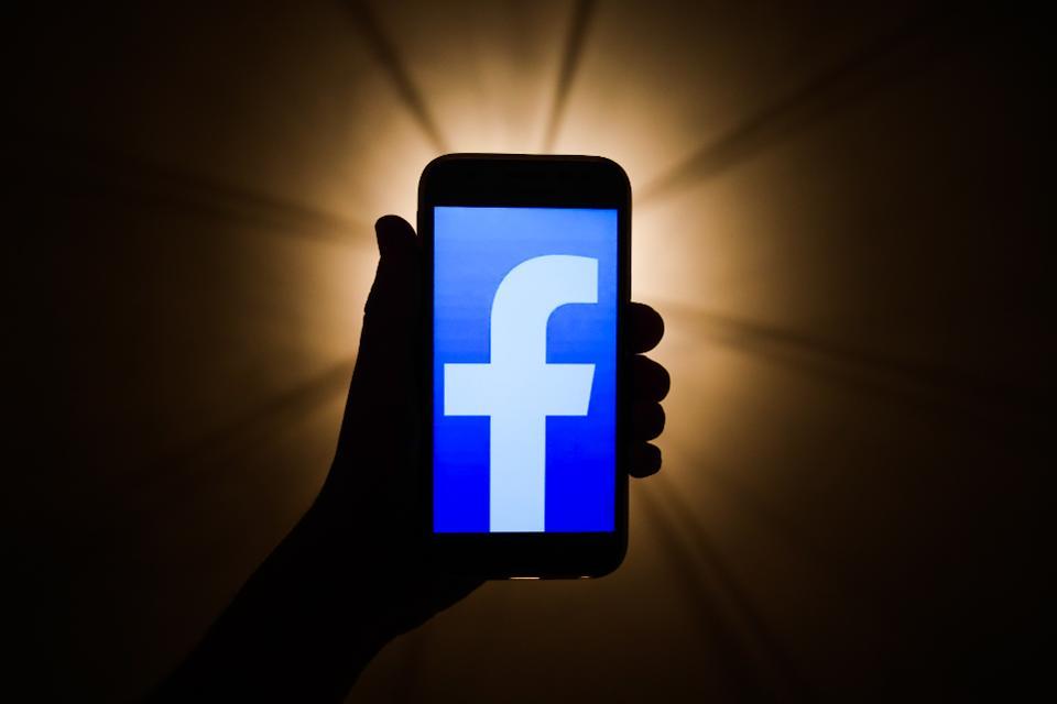 Facebook va plăti 52 de milioane $ moderatorilor cu PTSD