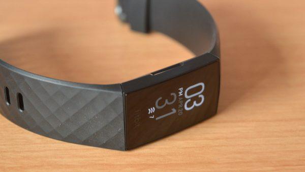 Actualizarea firmware Fitbit Charge 4 aduce noi caracteristici