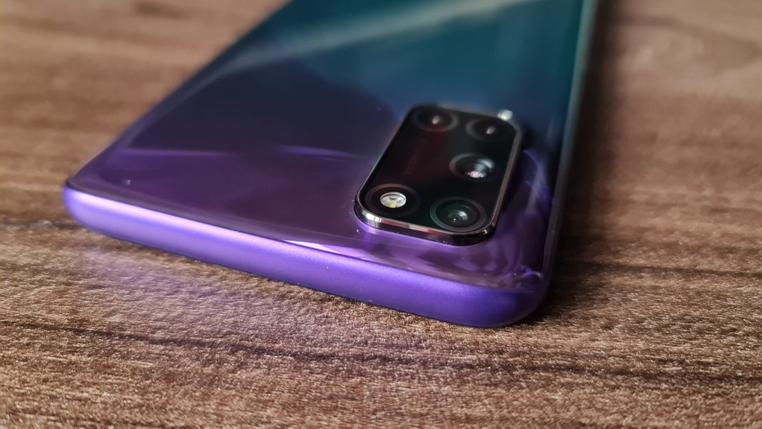Review OPPO A72