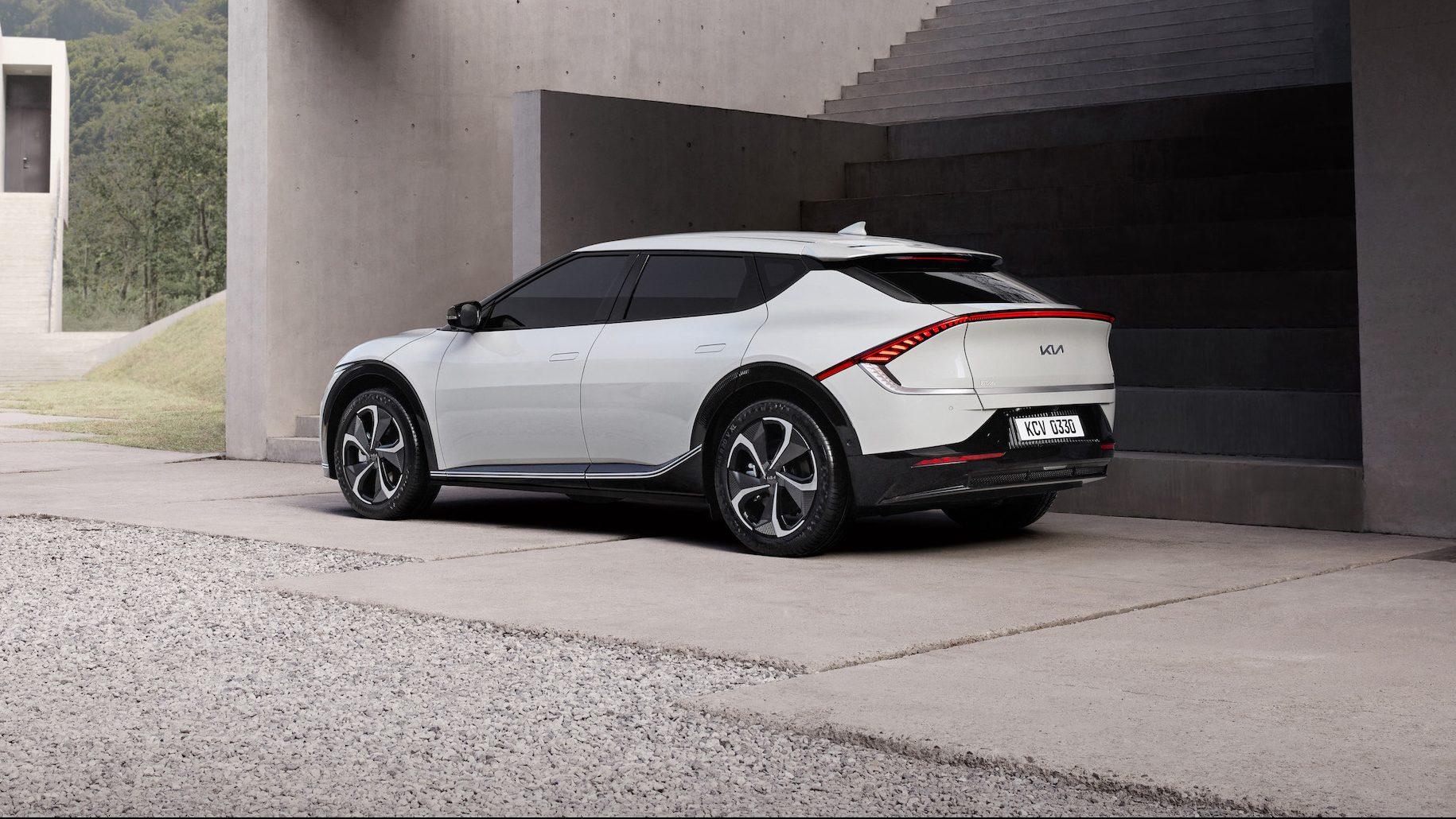 Kia prezintă primele imagini ale noii mașini electrice EV6