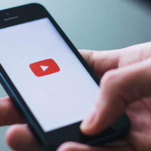 YouTube este cea mai populară platformă de socializare